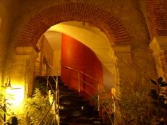telegrafo-hotel-vertical-pan-stairwell-2